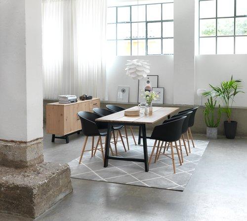 Jedálenská stolička FAVRBJERG čierna/dub