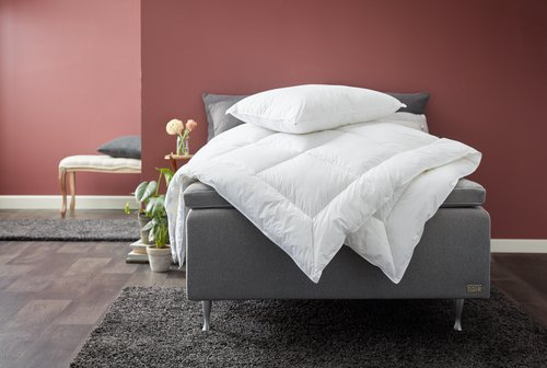 Couette 1300g BRURI chaud 140x200